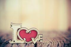 Fondo del día de tarjetas del día de San Valentín con el corazón del amor Imagenes de archivo