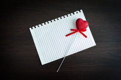 Fondo del día de tarjetas del día de San Valentín con los corazones Imagenes de archivo