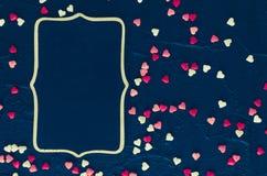 Fondo del día de tarjetas del día de San Valentín con los corazones Imágenes de archivo libres de regalías