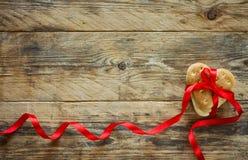 Fondo del día del ` s de la tarjeta del día de San Valentín, galletas, corazón de la forma Fotos de archivo
