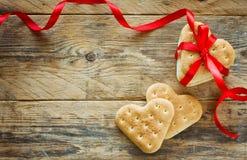 Fondo del día del ` s de la tarjeta del día de San Valentín, galletas, corazón de la forma Fotografía de archivo libre de regalías