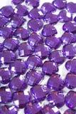 Fondo del diamante artificial Textura de la forma del corazón como foto blanca del estudio del contexto Modelo del cristal del di Fotografía de archivo