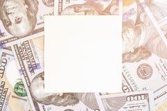 Fondo del dinero con la maqueta negra Lugar oscuro de Copyspace para el texto Moneda de los E.E.U.U. cientos fondos de los billet Fotos de archivo