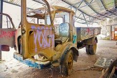 Fondo del Grunge, camión del vintage Fotos de archivo libres de regalías
