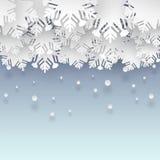 Fondo del invierno con los copos de nieve de papel Fotografía de archivo libre de regalías