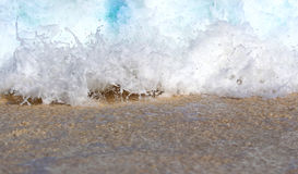 Fondo del mar, onda que se estrella en Sandy Beach Imagen de archivo libre de regalías