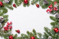Fondo del marco de la Navidad con las decoraciones Foto de archivo