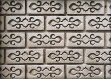 Fondo del mattone tailandese di picchiettio di stile sulla parete fotografie stock libere da diritti