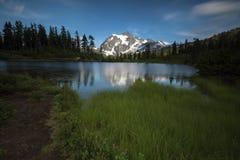 Fondo del noroeste pacífico de Washington State Hiking Climbing Landscape Waterscape Imagen de archivo