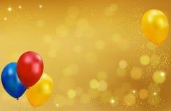 Fondo del oro del día de fiesta con los globos Imágenes de archivo libres de regalías
