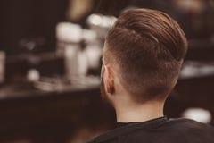 Fondo del salone di capelli per gli uomini, negozio di barbiere fotografia stock libera da diritti