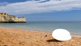 Fondo del tablero que practica surf Foto de archivo