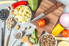 Fondo del vegano Ingredienti per una dieta vegetariana Immagine Stock