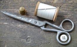 Fondo del vintage con las herramientas de costura Imagenes de archivo