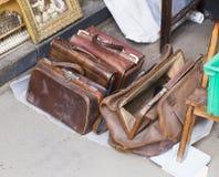 Fondo del vintage de un reloj en un mercado de pulgas Imágenes de archivo libres de regalías