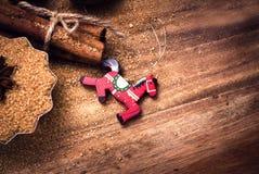 Fondo dell'alimento con lo spazio della copia. Zucchero bruno, stella dell'anice e cin Fotografie Stock Libere da Diritti