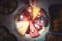 Fondo dell'annata della torta di compleanno di varietà fotografie stock