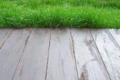 Fondo dell'erba verde della priorità alta del fondo del bokeh del pavimento Fotografia Stock Libera da Diritti