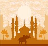 Fondo dell'India, elefante, costruzione e palme Fotografia Stock