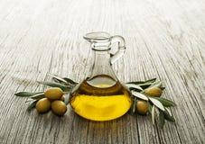Fondo dell'olio d'oliva Immagini Stock Libere da Diritti