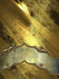 Fondo dell'oro del metallo di lerciume con il nastro elegante immagini stock libere da diritti