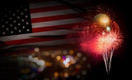 Fondo della bandiera di U.S.A. con il fuoco d'artificio quarto del giorno o luglio di Independense Immagini Stock Libere da Diritti