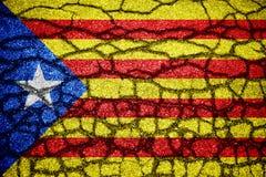 Fondo della Catalogna incrinato della bandiera illustrazione vettoriale