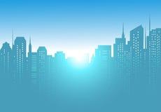 Fondo della città con alba e cielo blu Fotografie Stock Libere da Diritti