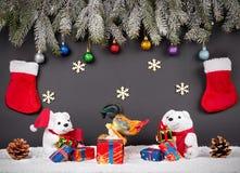 Fondo della decorazione del nuovo anno o di Natale: rami dell'pelliccia-albero, Fotografia Stock Libera da Diritti