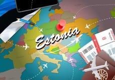 Fondo della mappa di concetto di viaggio dell'Estonia con gli aerei, biglietti Visi illustrazione di stock