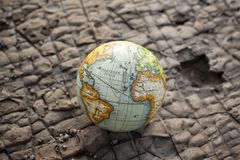 Fondo della pietra del globo del mondo immagini stock libere da diritti