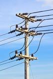 Fondo della posta e del cielo di elettricità Fotografie Stock Libere da Diritti