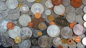 Fondo delle monete dai paesi differenti del mondo Immagini Stock Libere da Diritti
