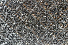 Fondo delle perle nere con i cristalli di rocca Fotografie Stock
