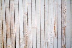 Fondo delle plance del pino dipinte con pittura blu-chiaro con i nodi fotografie stock
