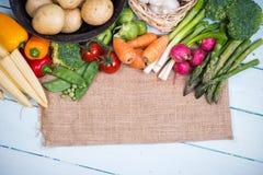 Fondo delle verdure del mercato di prodotti freschi dell'azienda agricola Immagine Stock Libera da Diritti