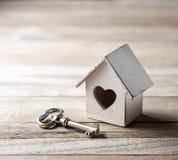 Fondo di assicurazione di chiave domestica della Camera fotografia stock