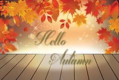 Fondo di autunno con le foglie cadenti rosse sulla plancia di legno Fotografie Stock