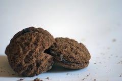 Fondo di bianco del cioccolato del biscotto di Pacman Immagini Stock Libere da Diritti