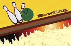 Fondo di bowling e siluetta della città Fotografia Stock Libera da Diritti