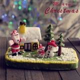 Fondo di Buon Natale con l'ornamento di natale da argilla Immagine Stock Libera da Diritti