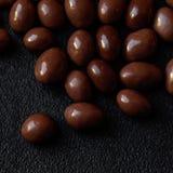 Fondo di Candy di cioccolato Caramelle rotonde o del cioccolato di marrone scuro Fotografia Stock