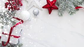 Fondo di festa del nuovo anno e di Natale Cartolina d'auguri di natale Vacanze invernali immagini stock libere da diritti