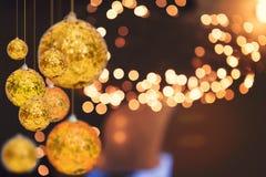 Fondo di festa di Natale sopra il bokeh di inverno Fotografie Stock