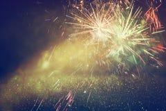 Fondo di festa, luci di scintillio e sovrapposizione astratti del fuoco d'artificio Fotografie Stock Libere da Diritti