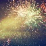 Fondo di festa, luci di scintillio e sovrapposizione astratti del fuoco d'artificio Fotografia Stock Libera da Diritti