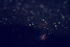 Fondo di festa, luci di scintillio e sovrapposizione astratti del fuoco d'artificio Immagine Stock Libera da Diritti