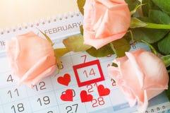 Fondo di giorno del ` s del biglietto di S. Valentino della st con data di calendario il 14 febbraio, Fotografia Stock