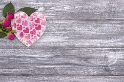 Fondo di giorno di biglietti di S. Valentino con le rose Immagine Stock Libera da Diritti