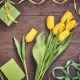 Fondo di giorno di madri Mazzo dei tulipani romantico Immagine Stock